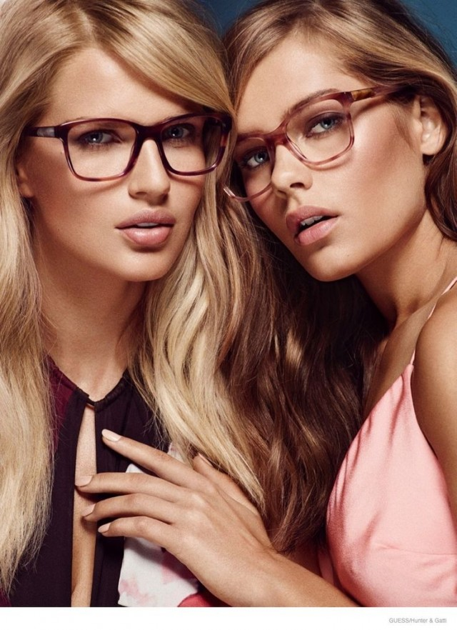 Gaseste perechea perfecta si surprinde-o pe femeia iubita cu ochelari de soare de top!
