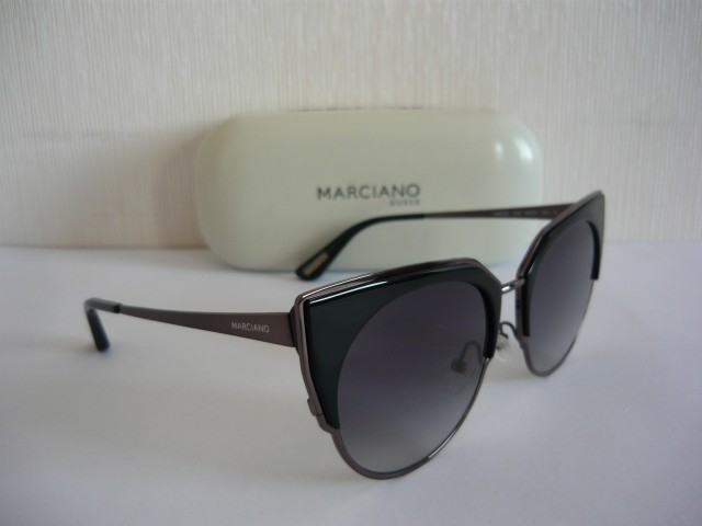 Guess by Marciano Sunglasses GM0763 01B 56